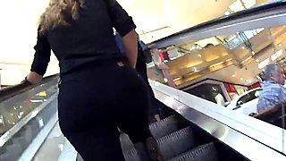 Round ass girl