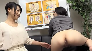 Subtitled bizarre Japanese anal sex preparation seminar HD
