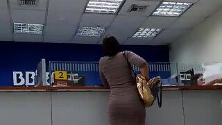Nalga en el banco